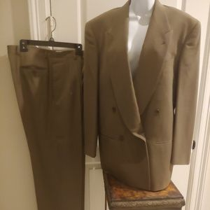 Georgio armani Mens Suit Size 39L Brown